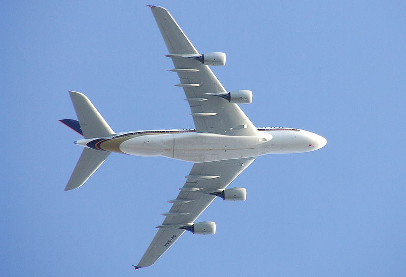 800px-Singapore Airlines A380 9V-SKH